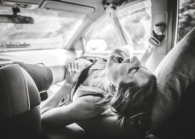 Poród w samochodzie może być niebezpieczny dla życia kobiety i dziecka