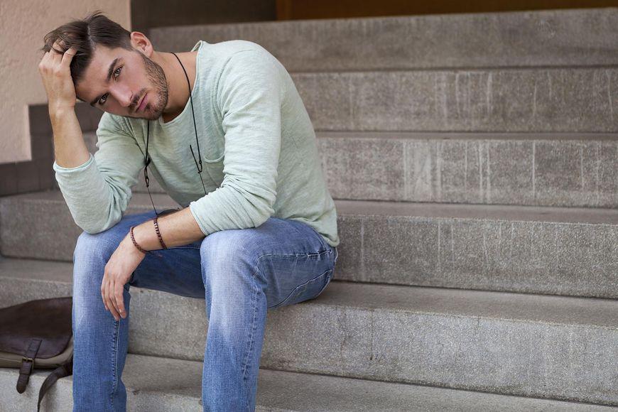 Człowiek wycofany może być typem samotnika