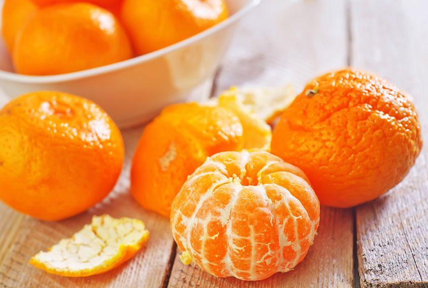 Niewiele osób ma świadomość, że skórki mandarynki mają wiele zalet