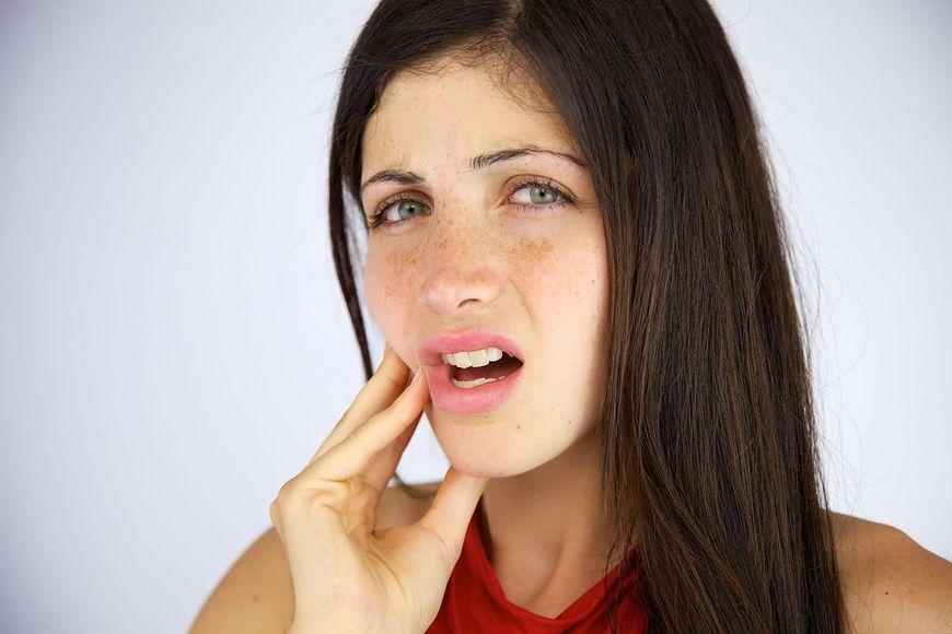 Korzeń rzewienia lekarskiego na bolące zęby