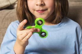 Fidget spinner - zwykła zabawka czy narzędzie szatana?