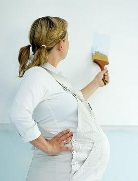Czy w ciąży można malować mieszkanie lub lakierować drewno?