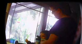 Matka demaskuje okrutną nianię, nagrywając ją na kamerę (WIDEO)