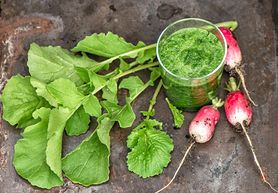 Dlaczego warto jeść liście rzodkiewki?