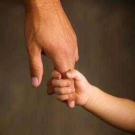 Adopcja dziecka – przygotowania, etapy, procedury sądowe, typy przysposobienia