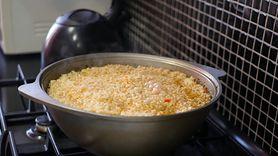 Jak przechowywać ugotowany ryż? Wiele osób popełnia błąd (WIDEO)