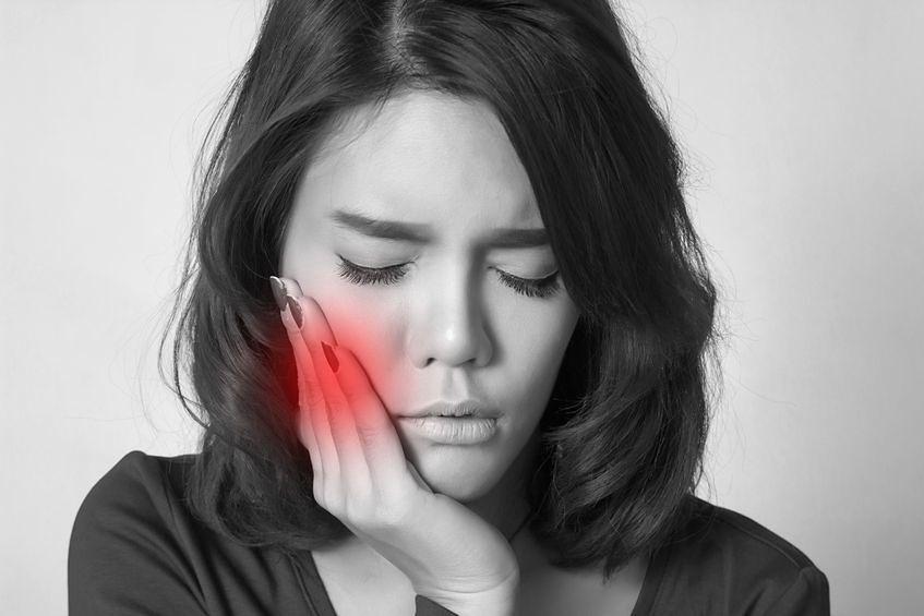 Rak jamy ustnej. Poznaj objawy, które łatwo przeoczyć