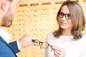 Sprawdź, jak dobrać okulary korekcyjne do kształtu twarzy