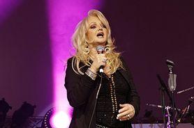 Chrypa Bonnie Tyler jest wynikiem operacji strun głosowych
