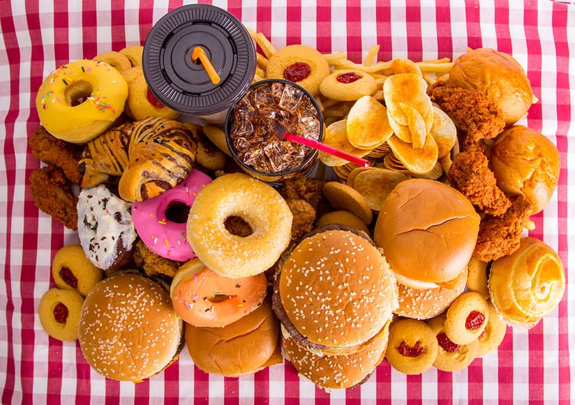 Chipsy i słodkie przekąski są niezdrowe