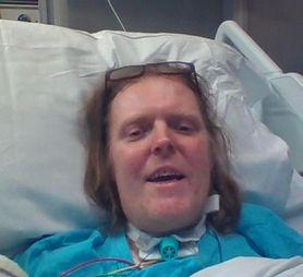 Koronawirus. 49-latek od roku przebywa w szpitalu. Codziennie wymiotuje