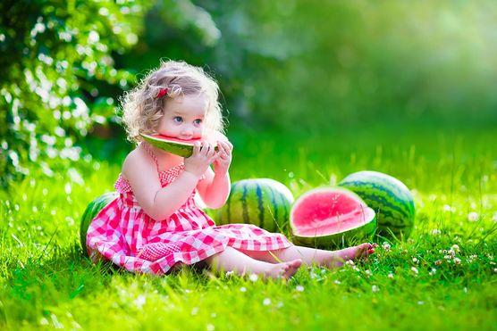 Poznaj 5 sposobów na dostarczenie wody do organizmu dziecka