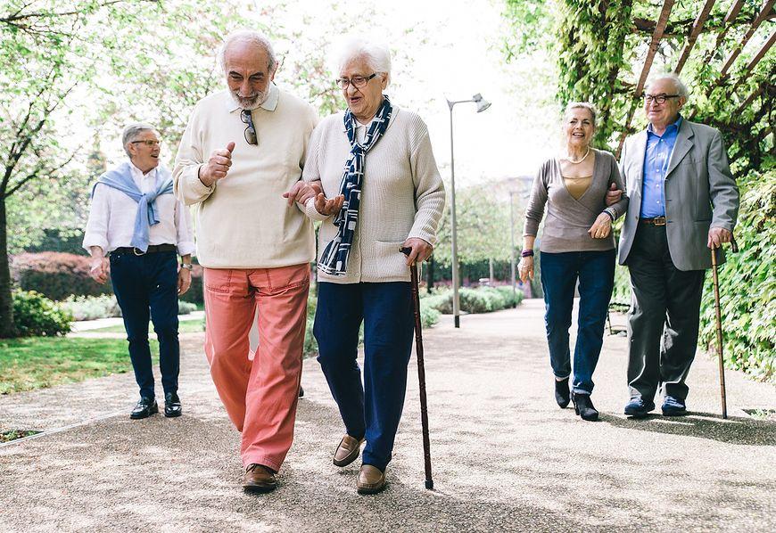 Starsi ludzie [123rf.com]