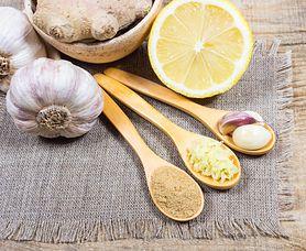 Oczyszcza, wzmacnia i leczy. Poznaj przepis na prostą do wykonania miksturę, która w naturalny sposób ochroni twoje zdrowie