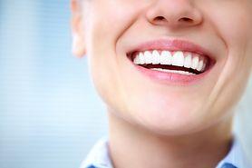 Czy implanty zębowe mogą uczulać?