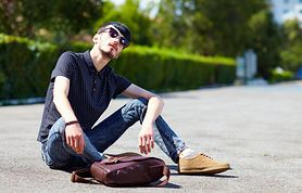 Dlaczego noszenie rurek przez mężczyzn jest niebezpieczne dla ich zdrowia?