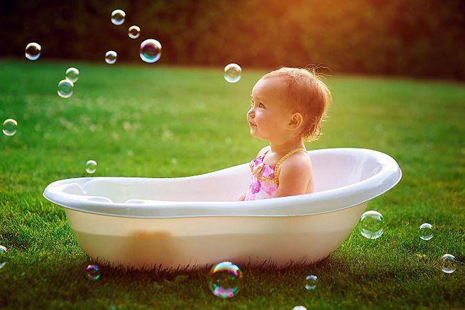Kąpiel dziewczynki