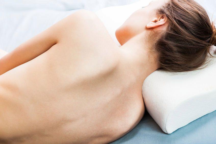 Jaka jest idealna pozycja do snu?