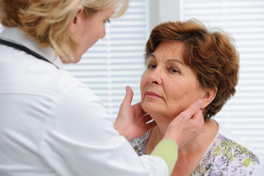 nowotwory głowy i szyi [123rf.com]