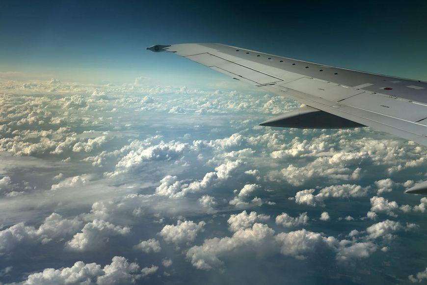 123RF Przelot samolotem może powodować zachorowania