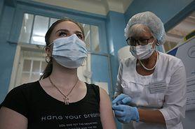 Koronawirus. Naukowcy uważają, że pojawienie się opornego na szczepienia wariantu jest prawie pewne