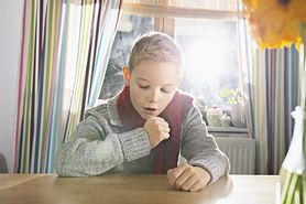 Syrop na kaszel dla dzieci. Jak wybrać właściwy?