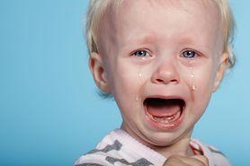 Gdy dziecko ząbkuje – objawy i sposoby na ból