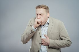 Kaszel palacza - objawy, leczenie, profilaktyka