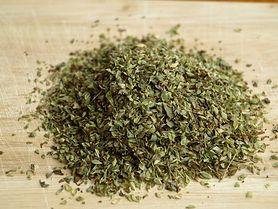 Kminek, mniszek lekarski, melisa, czyli zioła, które pomagają na niestrawność