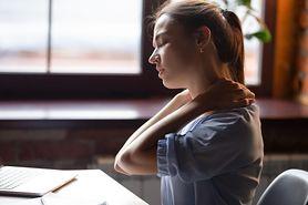 Przewianie szyi – przyczyny, objawy, leczenie i domowe sposoby