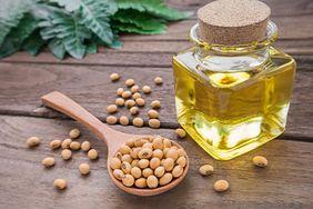Nie każdy olej roślinny jest zdrowy. Wady oleju sojowego