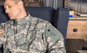 Niezawodny sposób na szybkie zasypianie. Metoda opracowana przez żołnierzy sprawdza się w każdej sypialni