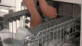 Błędy przy używaniu zmywarki. Więcej tego nie rób (WIDEO)