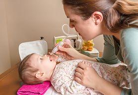 Czyszczenie noska niemowlaka - pielęgnacja, przyrządy
