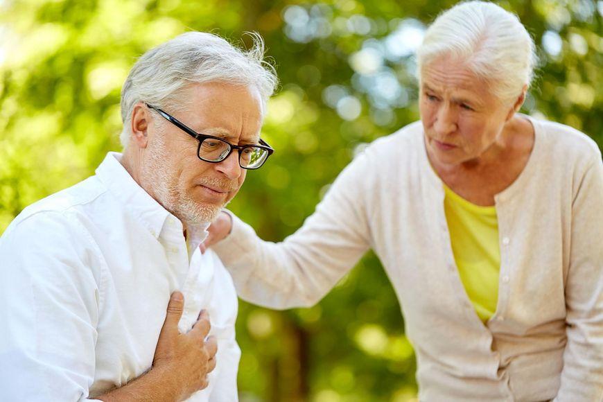 123rf Burzowa pogoda może wpływać na zaburzenia rytmu serca