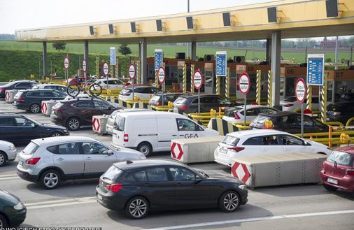 Polacy mają więcej samochodów niż Niemcy. W Europie mało kto nas wyprzedza