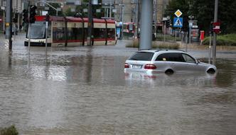 Powodzie miejskie topią Polskę. Winna zbyt gęsta zabudowa i zabetonowanie