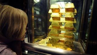 Złoto traci na wartości. Uncja najtańsza od 19 miesięcy