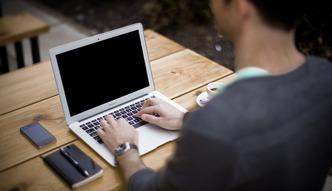 Coraz więcej ataków hakerskich na firmy. Nie umiemy się bronić