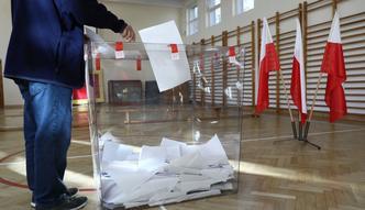 Wstępne wyniki wyborów. PiS wygrywa w skali kraju, Trzaskowski bierze Warszawę