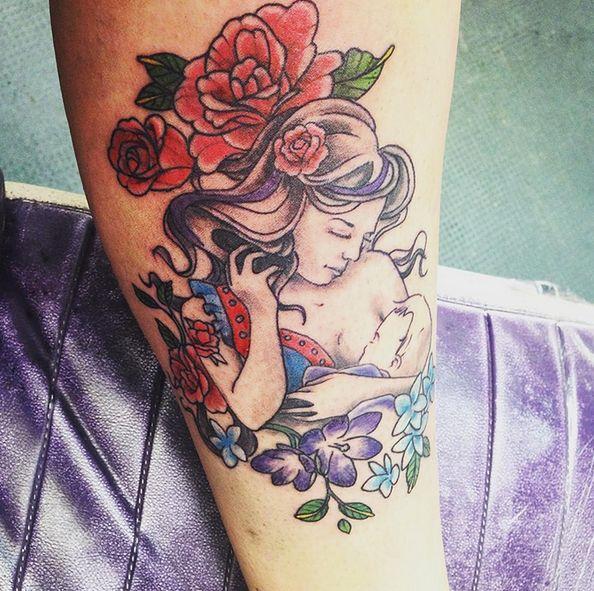 Tatuaże mogą być inspiracją dla innych matek karmiących naturalnie