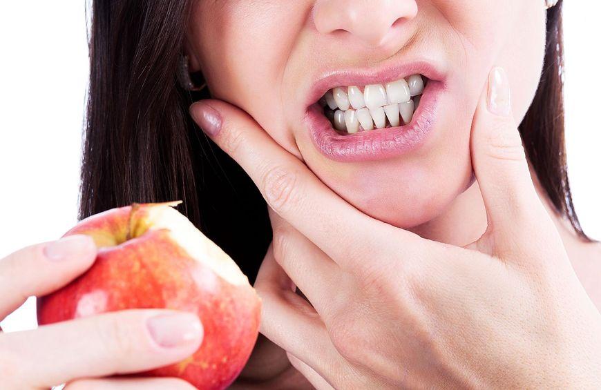 Nieprawidłowa higiena jamy ustnej skutkuje problemami z gryzieniem