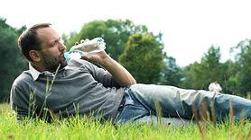 Sprawdź, czy pijesz odpowiednią ilość wody. Prosty trik (WIDEO)