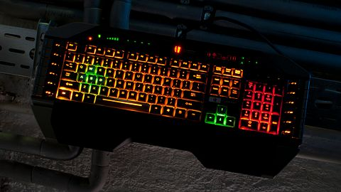 Mad Catz Cyborg V.7 — klawiatura z Cepelii