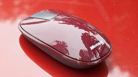 Microsoft Explorer Touch Mouse — estetyczny dodatek do drogiego laptopa