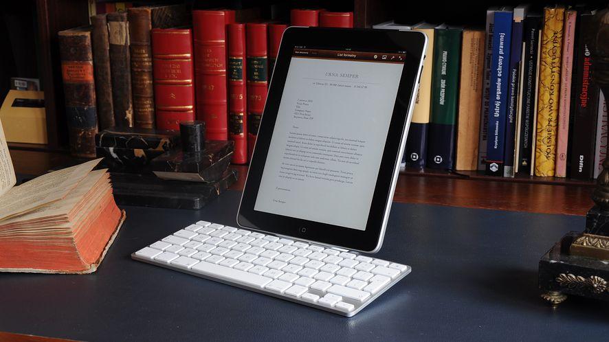Apple iPad Keyboard Dock - przyczepka do roadstera