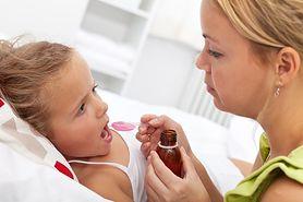 Sprawdź, czy nie popełniasz tych błędów podczas podawania leków dzieciom