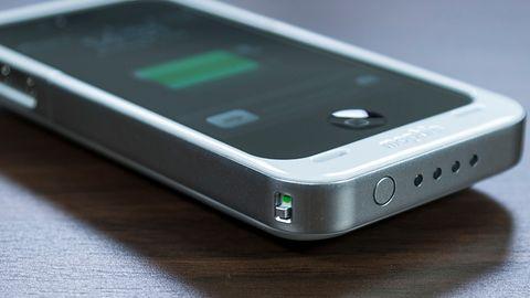 mophie juice pack air — smukły kompromis dla głodnego iPhone'a
