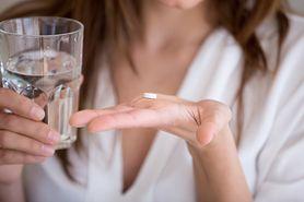 Cloranxen – działanie, dawkowanie, przeciwwskazania, opinie, zamienniki