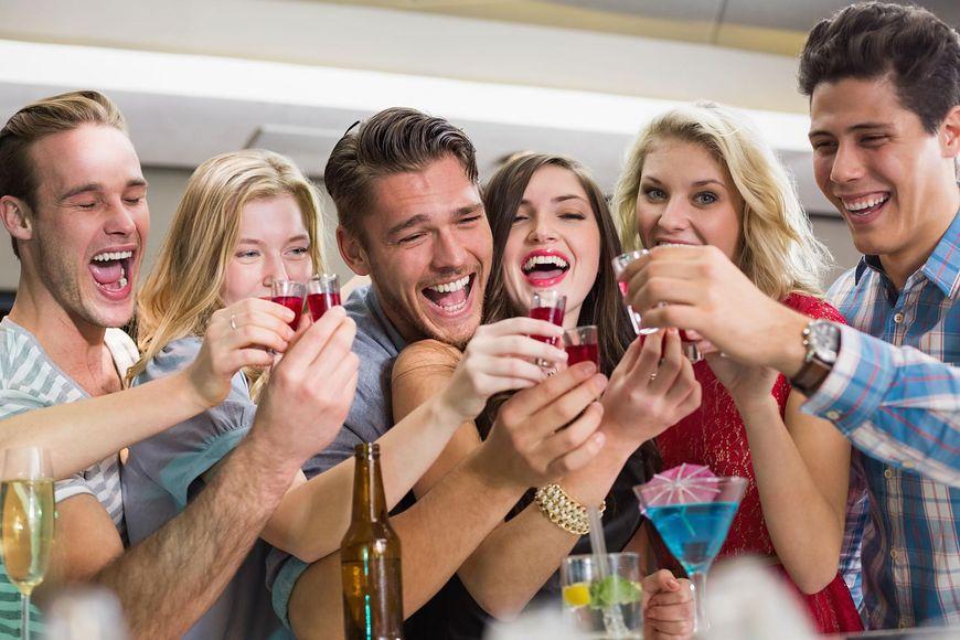 Picie alkoholu szkodzi zdrowiu [123rf.com]